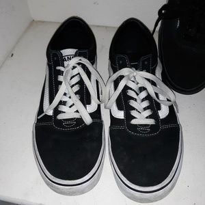 Van's Old School Classics Black and White Size 9